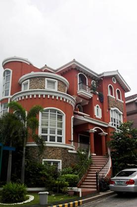 5BR House For Sale Mckinley Hill, Taguig City