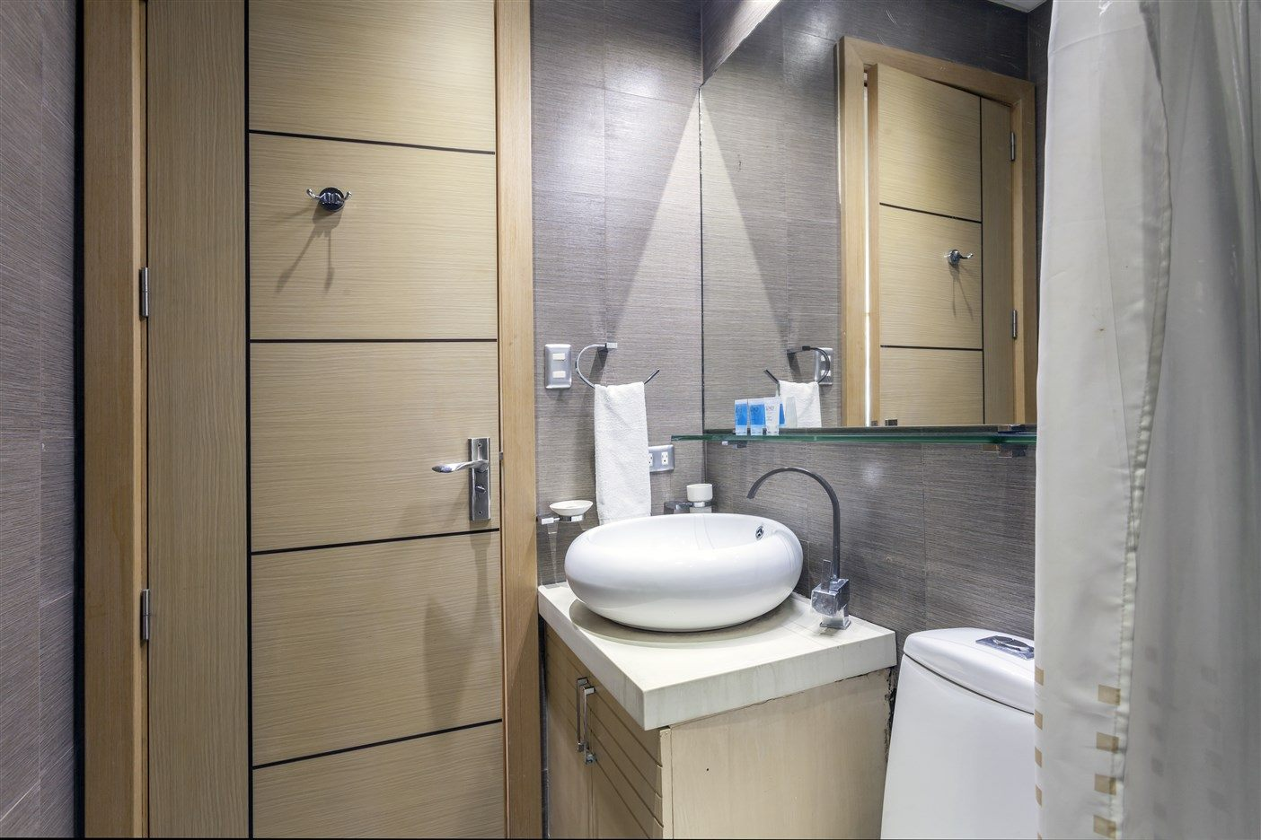 3BR For Rent Luxe Residences Taguig