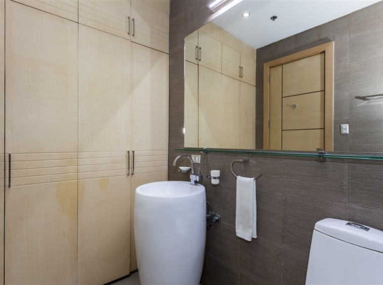 Condominium 3 Bedrooms For Rent Luxe Residences BGC