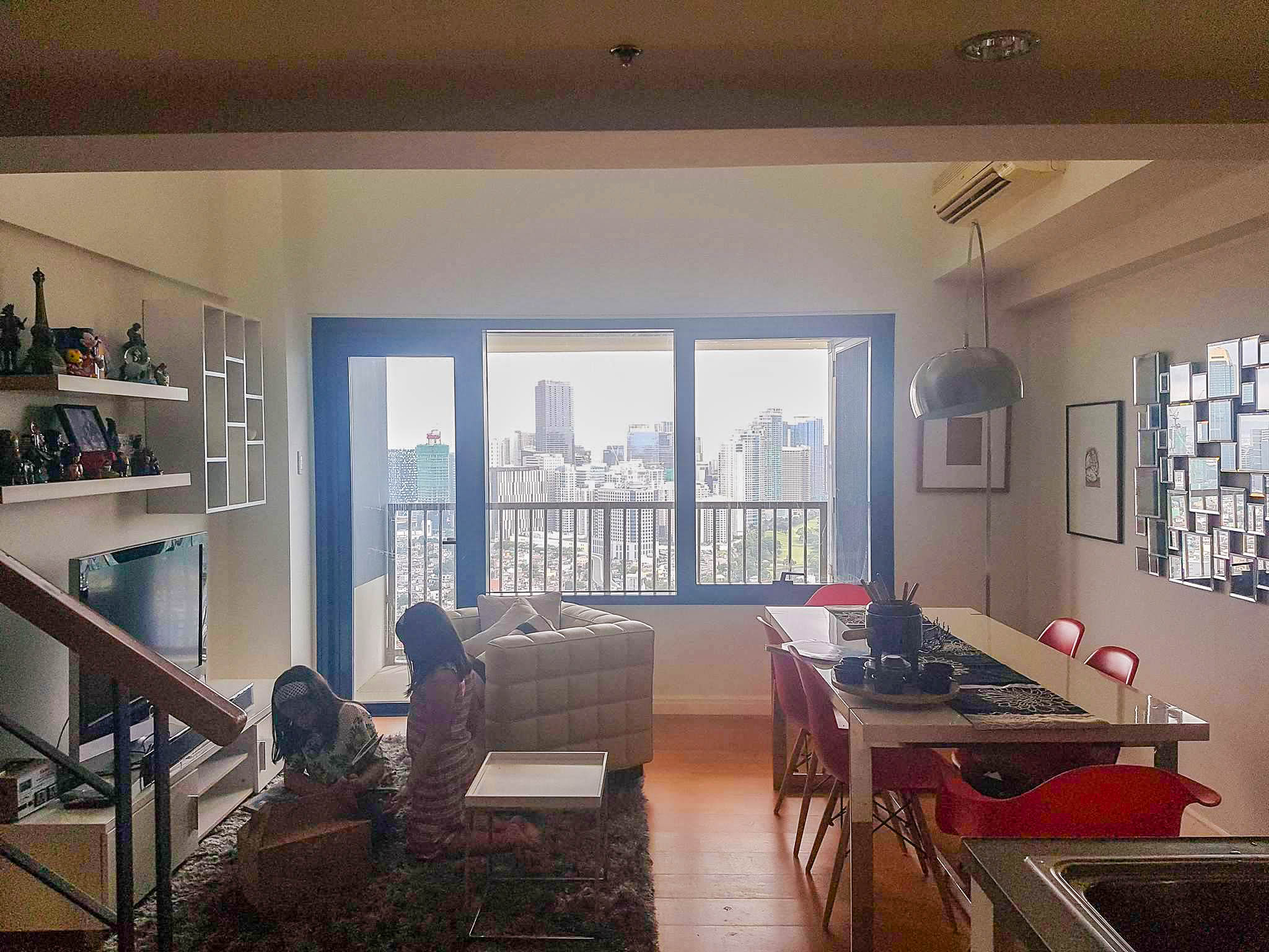 1BR One Rockwell West Living & Dining