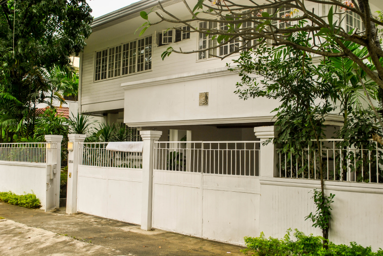 Dasmarinas Village House For Rent Front View 2