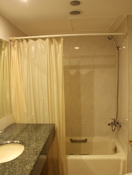 For Rent 3BR Pacific Plaza Ayala Condominium, Makati City