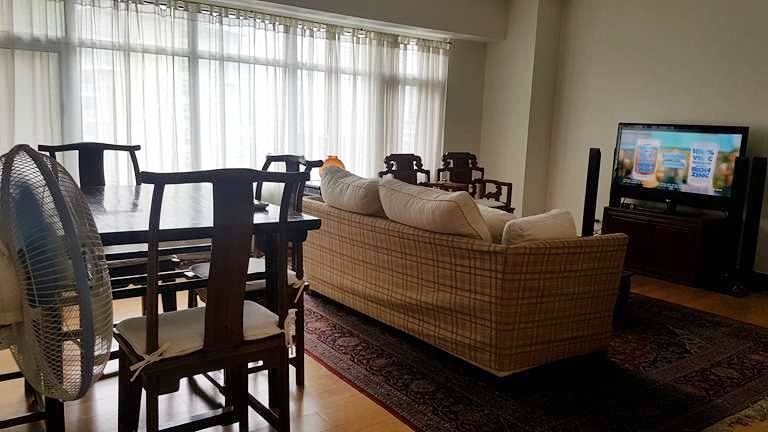 2BR Condo For Rent Jasmine,One Serendra, BGC Living Area View 3