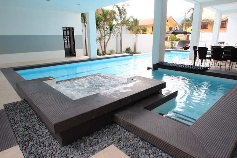 Resort For Sale Florida Pools, Calamba City, Laguna Jacuzzi