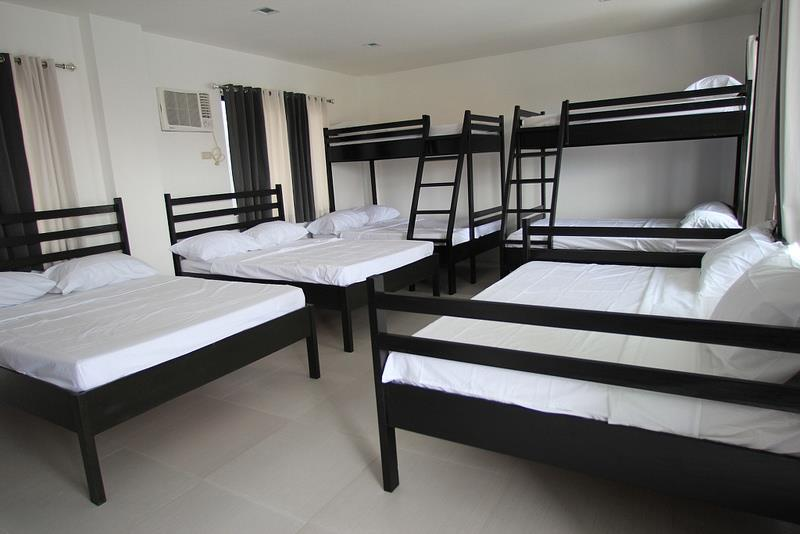 Resort For Sale Florida Pools, Calamba City, Laguna Bed 2