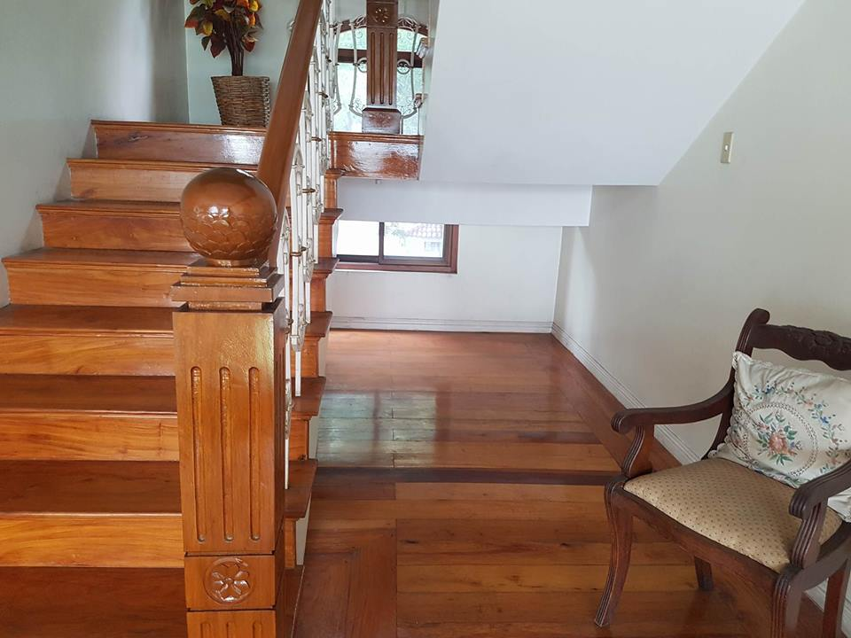 6BR House For Rent Dasmariñas Village Stairs View 3