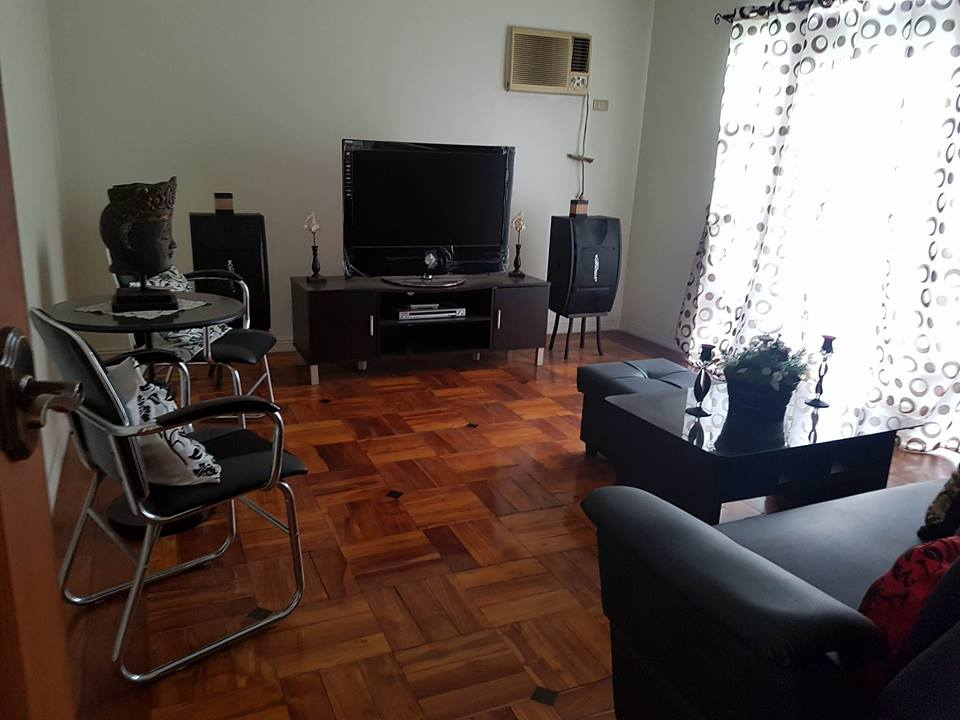 6BR House For Rent Dasmariñas Village Living Area 2