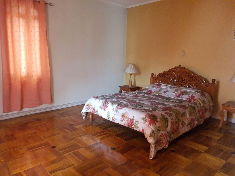 6BR House For Rent Dasmariñas Village Bedroom 2