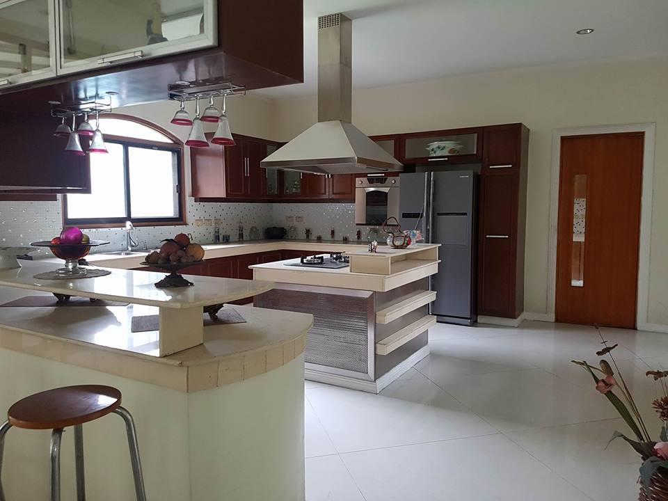 6BR House For Rent Dasmariñas Village Kitchen