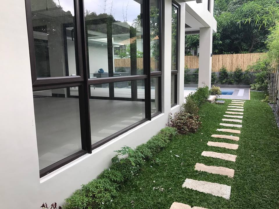 5BR House For Sale Ayala Alabang, Muntinlupa City Outside View 2
