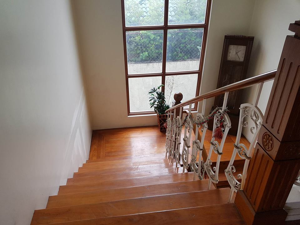 6BR House For Rent Dasmariñas Village Stairs View 2