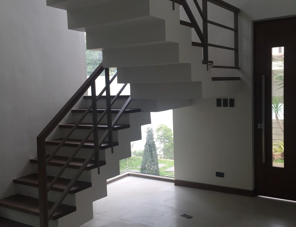 House For Sale Blueridge B Stairs