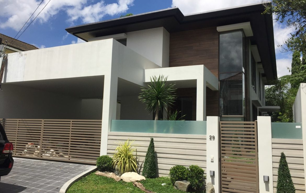 House For Sale Blueridge B, Quezon City