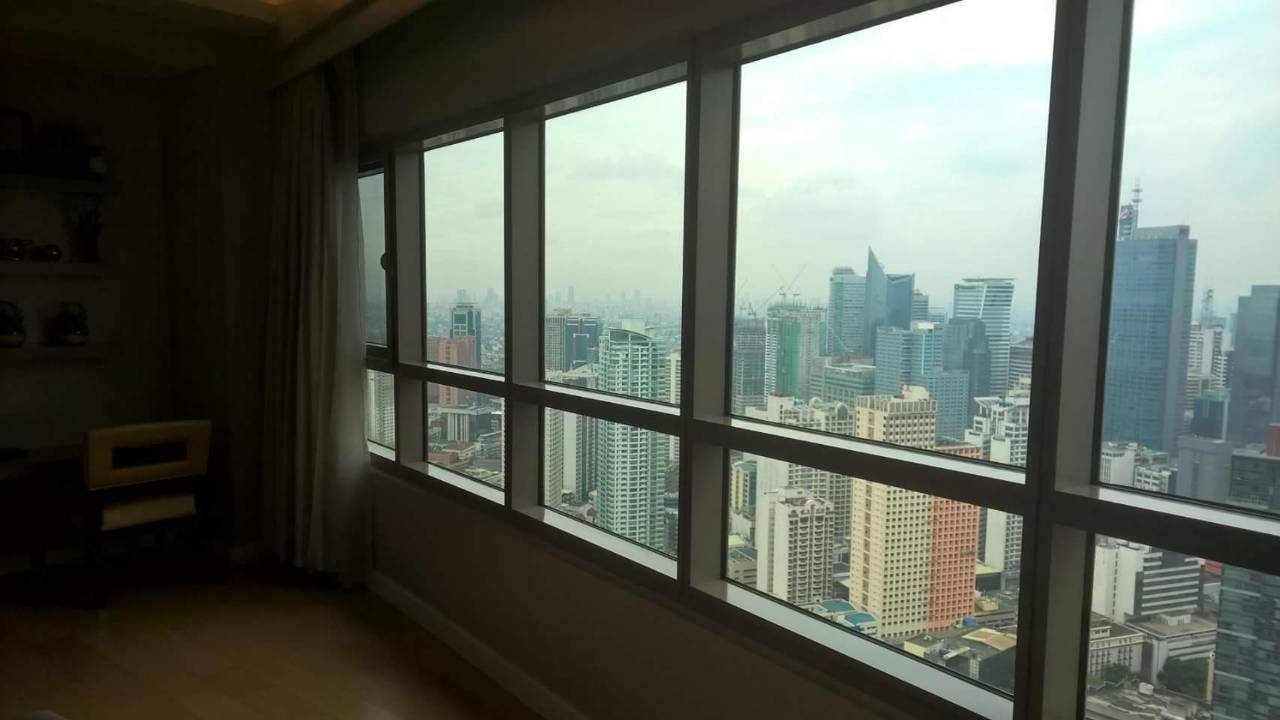 2BR For Rent San Lorenzo Tower View