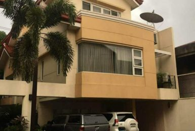Townhouse For Sale New Manila, Quezon City