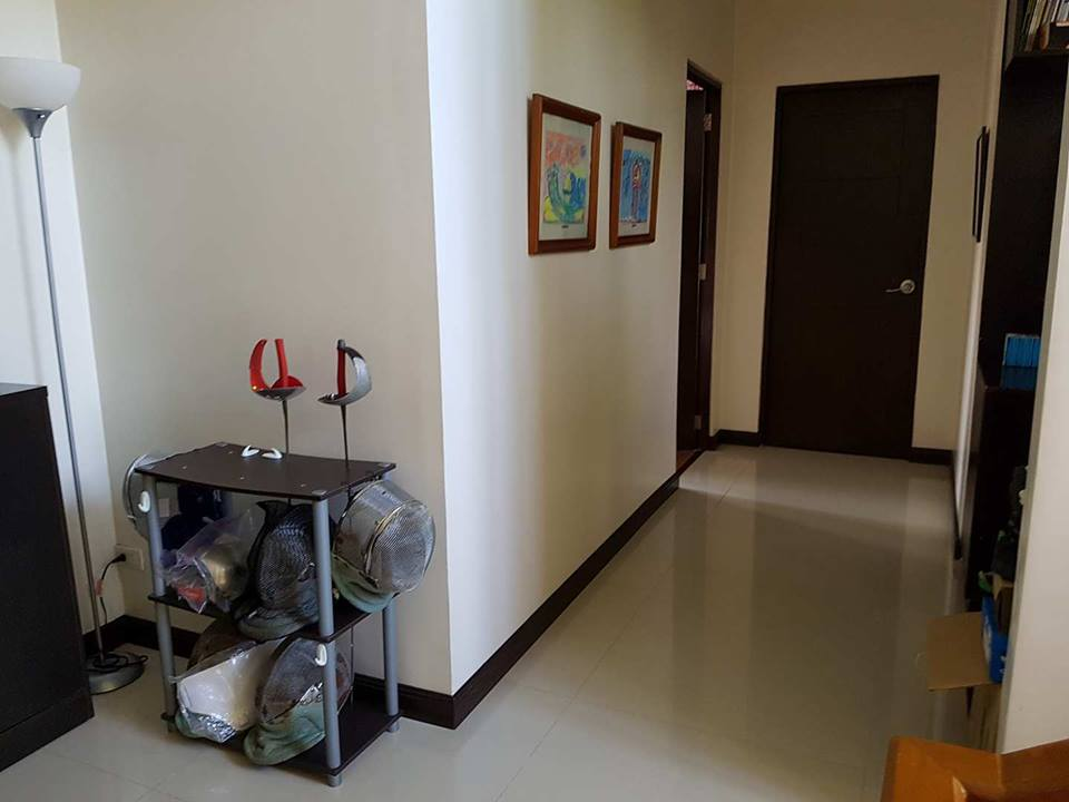 9BR House For Sale Dasmariñas Village View 2