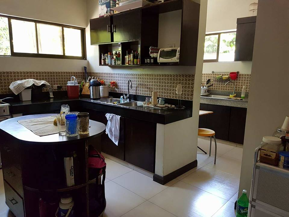 9BR House For Sale Dasmariñas Village Kitchen