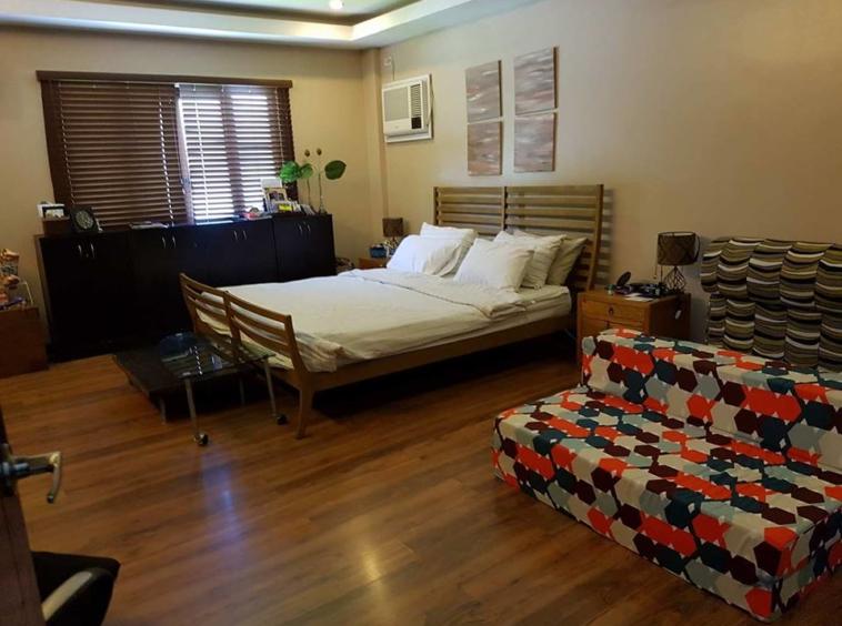 9BR House For Sale Dasmariñas Village Bedroom 2