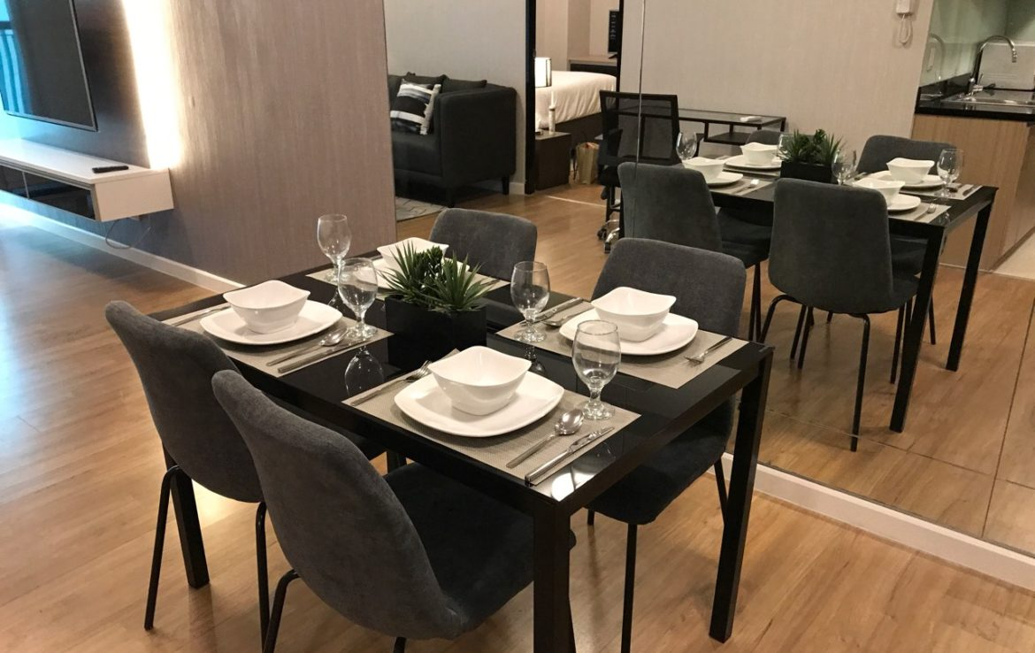 1BR Condo For Rent One Maridien Dining Area View 2