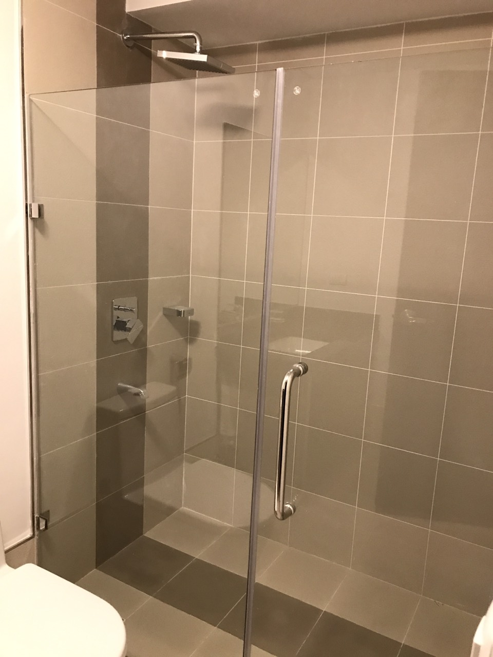 1BR Condo For Rent One Maridien Bathroom View 1