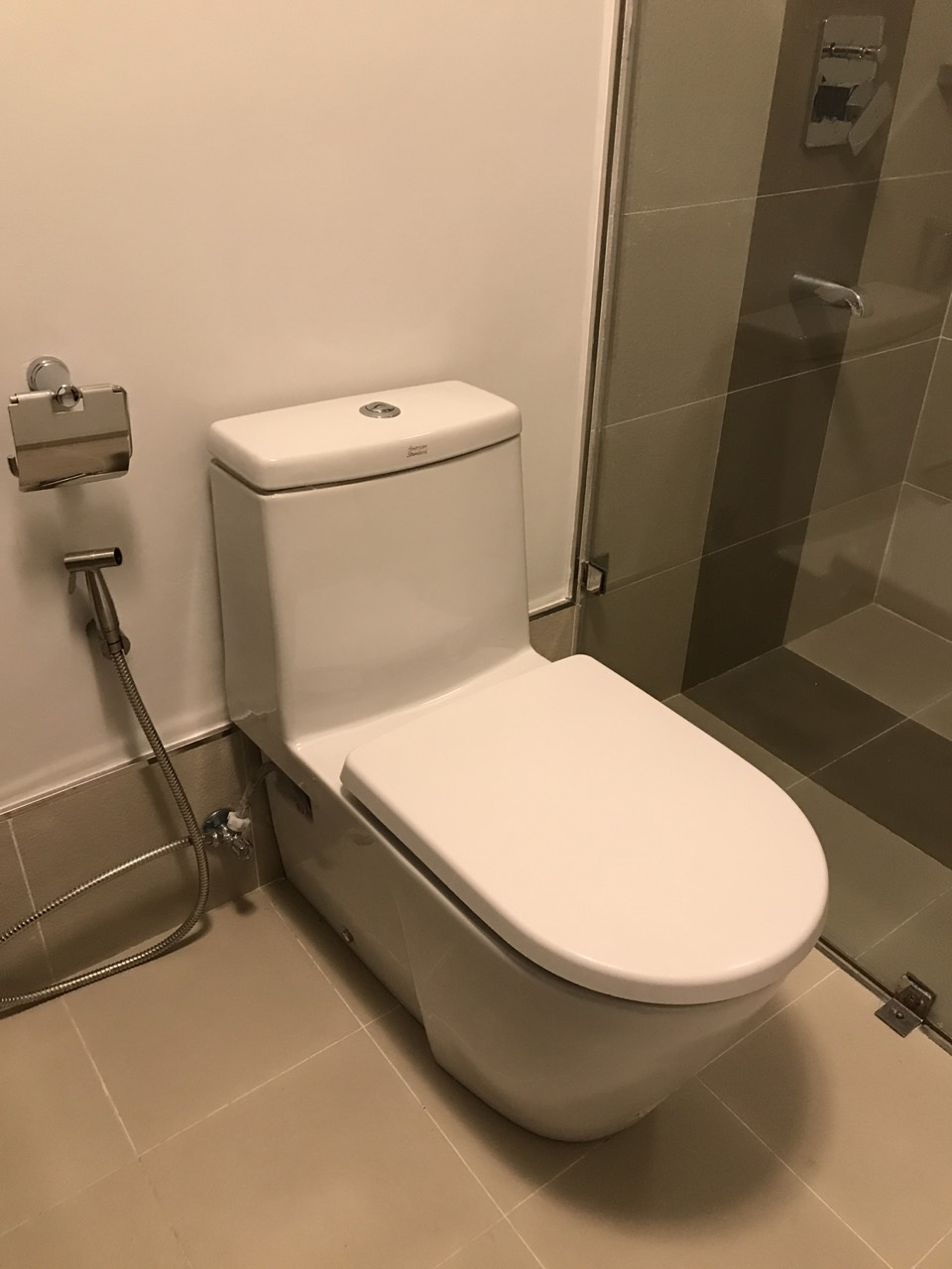 1BR Condo For Rent One Maridien Bathroom View 2