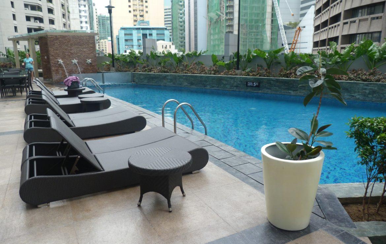 2BR Condo One Central, Salcedo Village Swimmin Pool View 1