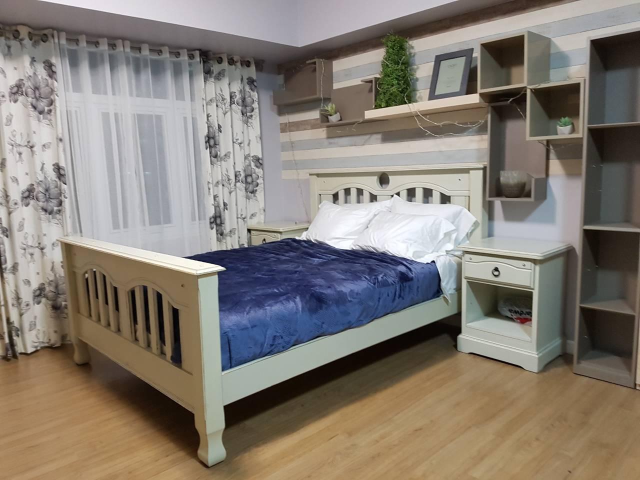 Studio Condo For Rent Meranti, Two Serendra, BGC Bed