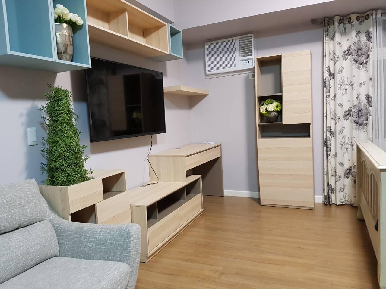 Studio Condo For Rent Meranti, Two Serendra, BGC View 2