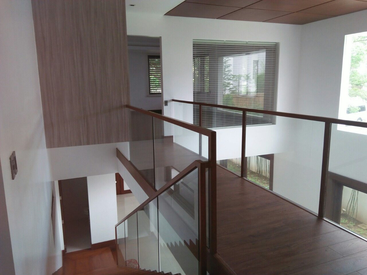 6BR House For Sale Rent, Buckingham St., Hillsborough Alabang Village, Muntinlupa City 2nd Floor