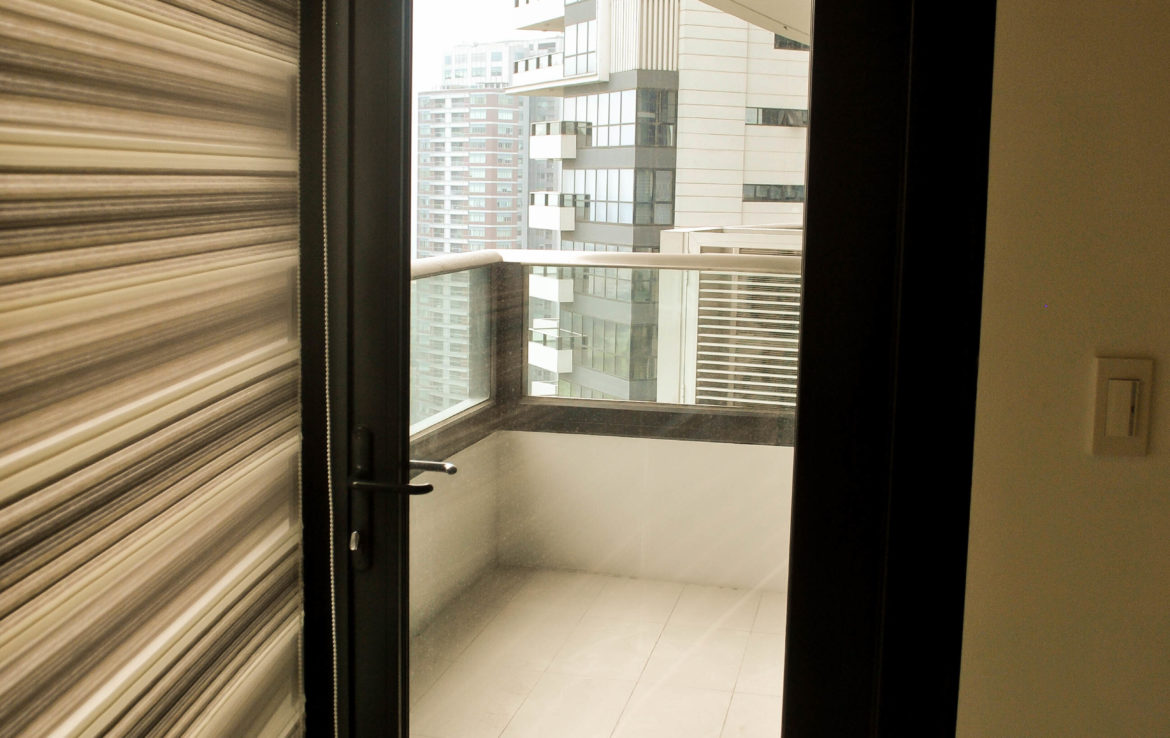 2br Condo For Rent Arya Residences Tower 2  Bgc  Taguig City