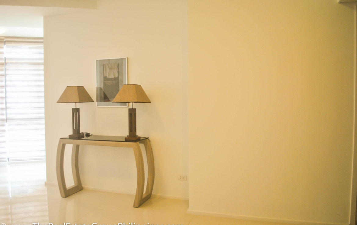 2BR Arya Residences For Rent Lamps2
