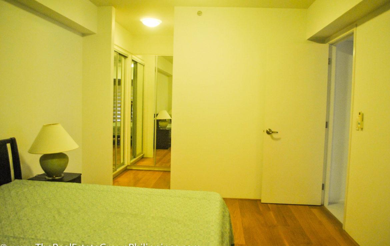 2BR Arya Residences For Rent Master Bedroom