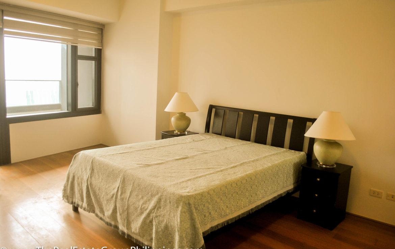 2BR Arya Residences For Rent Master Bedroom3