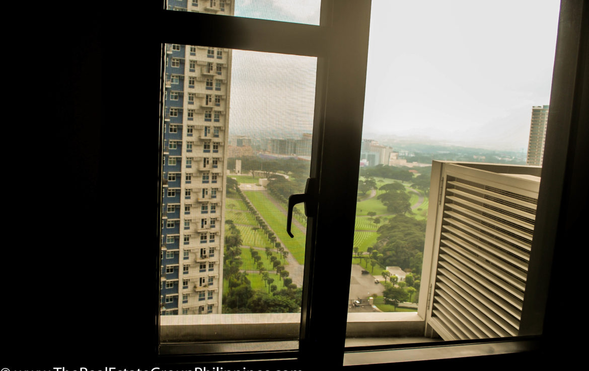 2BR Arya Residences For Rent Outside View