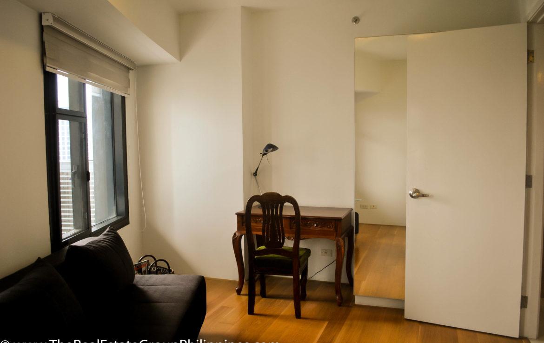 2BR Arya Residences For Rent Sofa & Study
