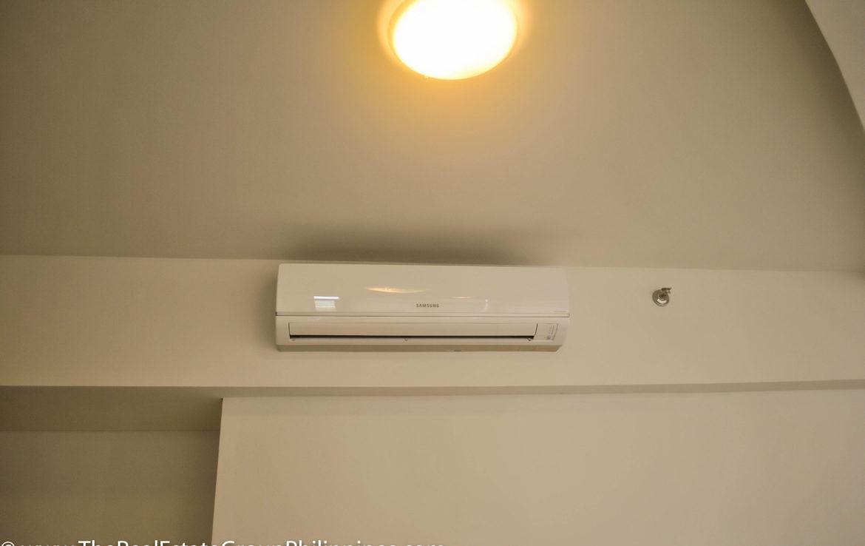 2BR Arya Residences For Rent Split Type AC