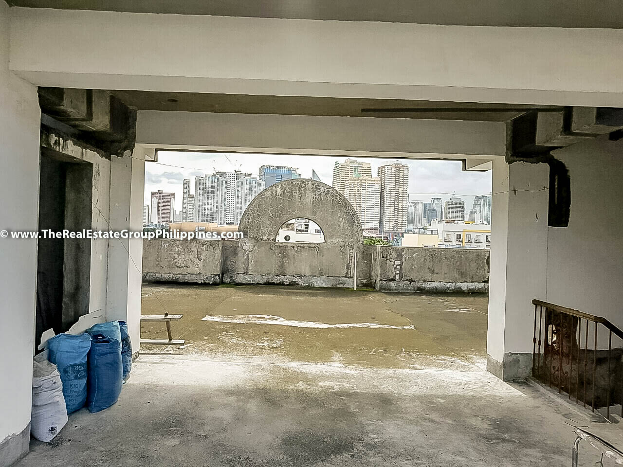 1,260 Sqm, 5-Storey Residential Building For Sale, Makati City Rooftop
