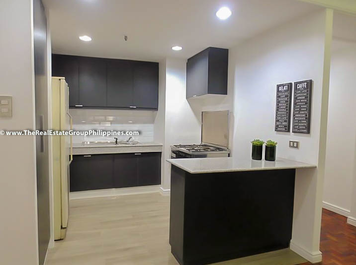 3BR Condo Heart Tower For Sale, Salcedo Village, Makati City open bar
