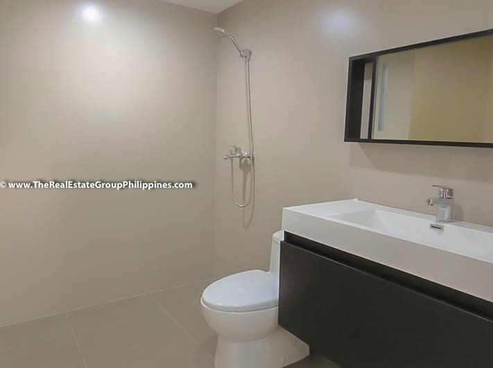 3BR Condo Heart Tower For Sale, Salcedo Village, Makati City shower