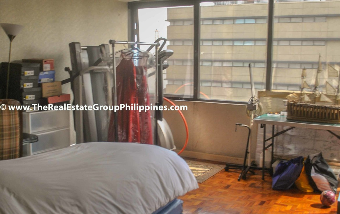 3BR For Sale Pacific Plaza Ayala 9B-18