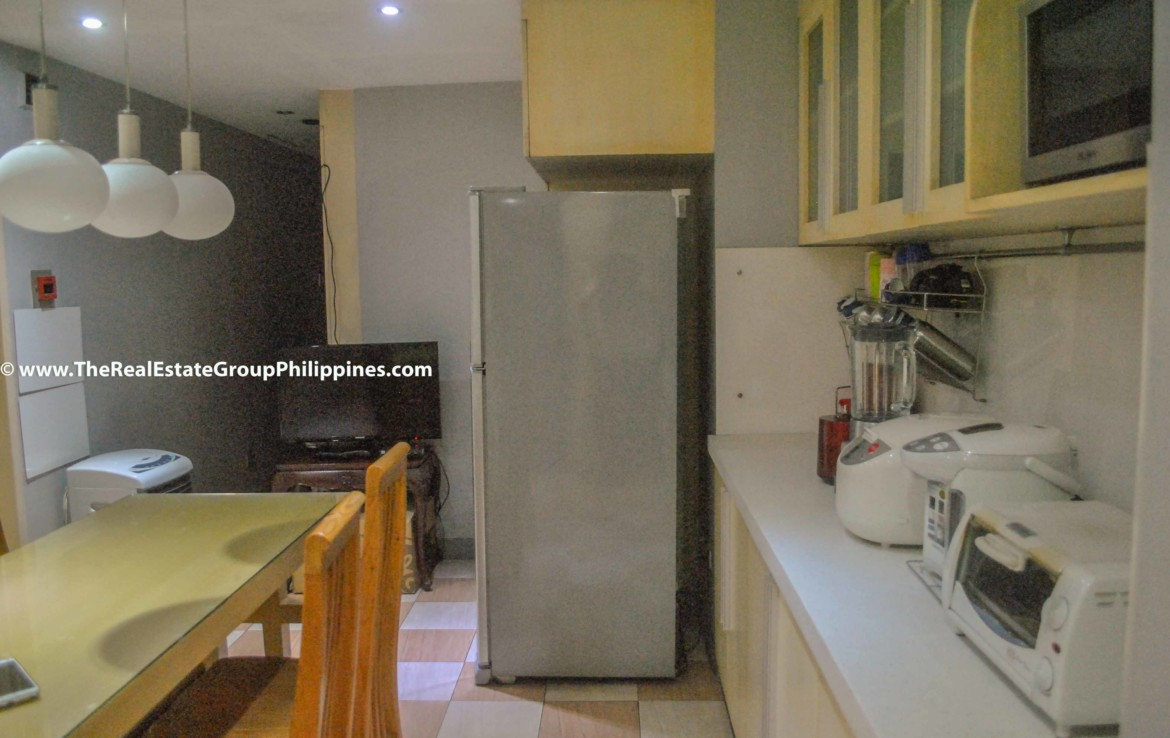 3BR For Sale Pacific Plaza Ayala 9B-41
