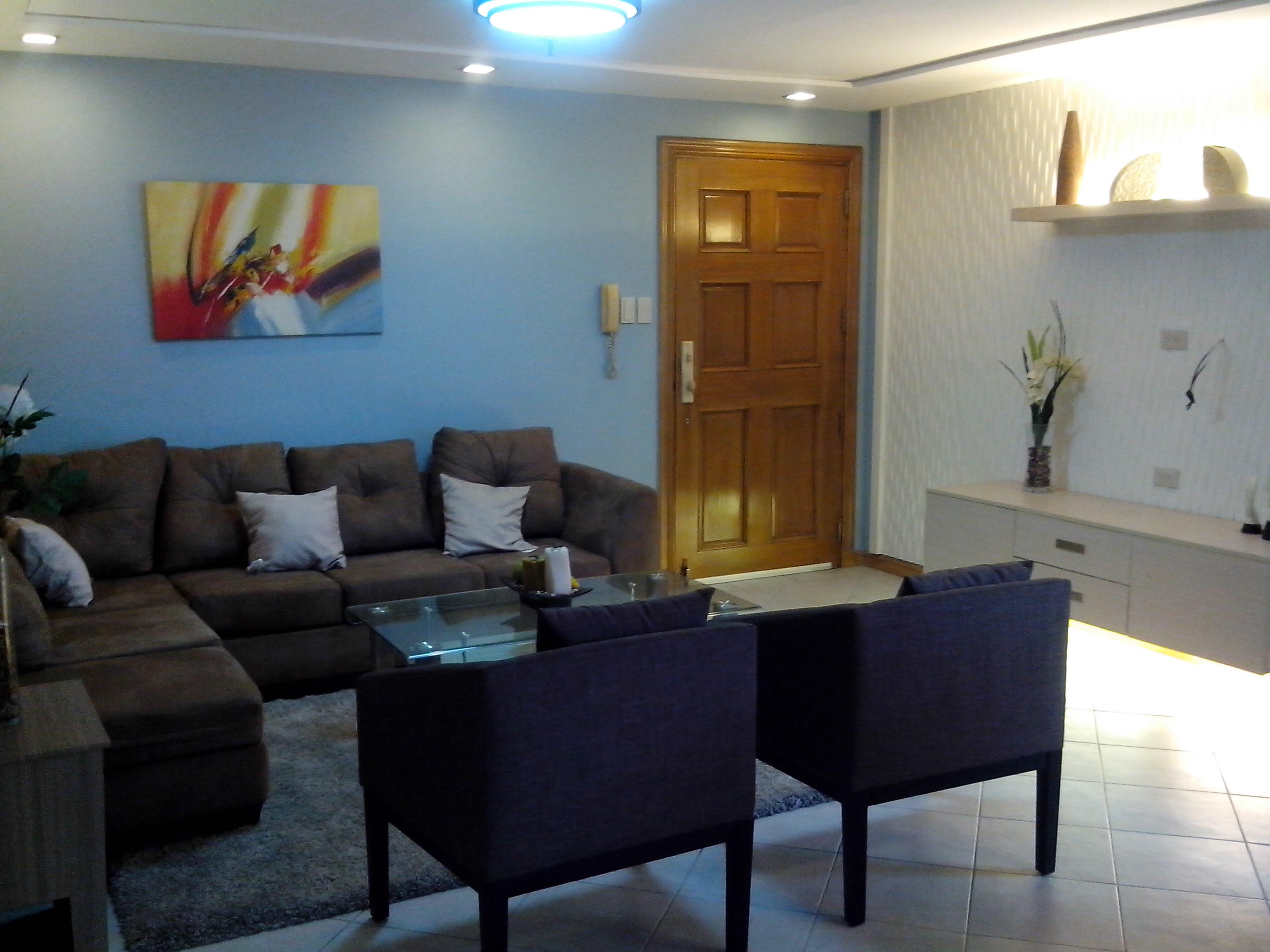 2BR Condo For Sale Phoenix Heights Living Area