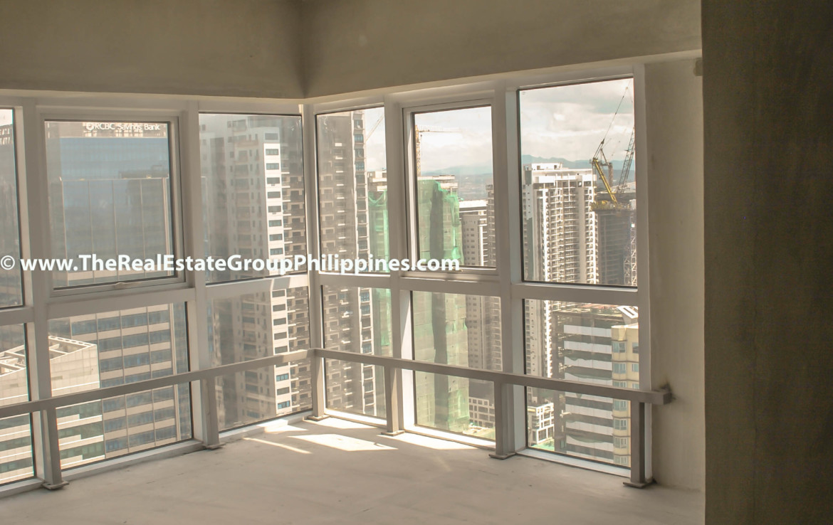 Fort Victoria BGC Condo For Sale 2BR sala