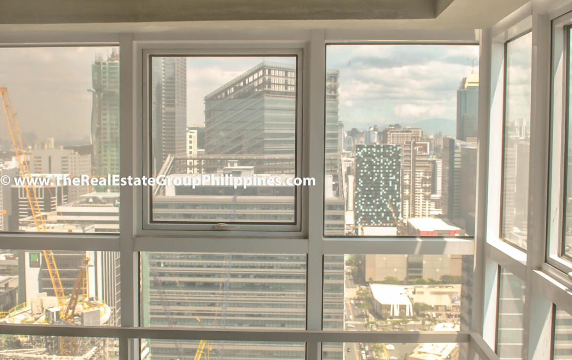 Fort Victoria BGC Condo For Sale 2BR corner