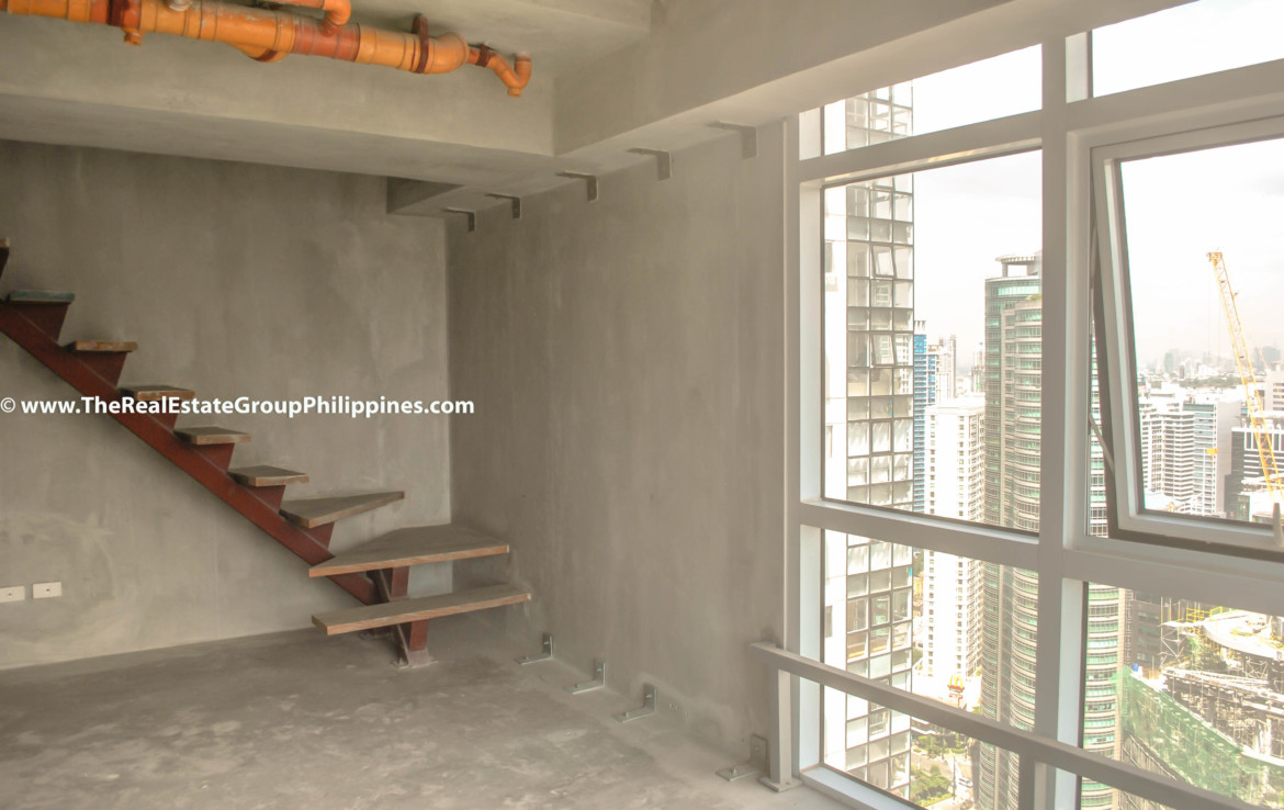 Fort Victoria BGC Condo For Sale 2BR side
