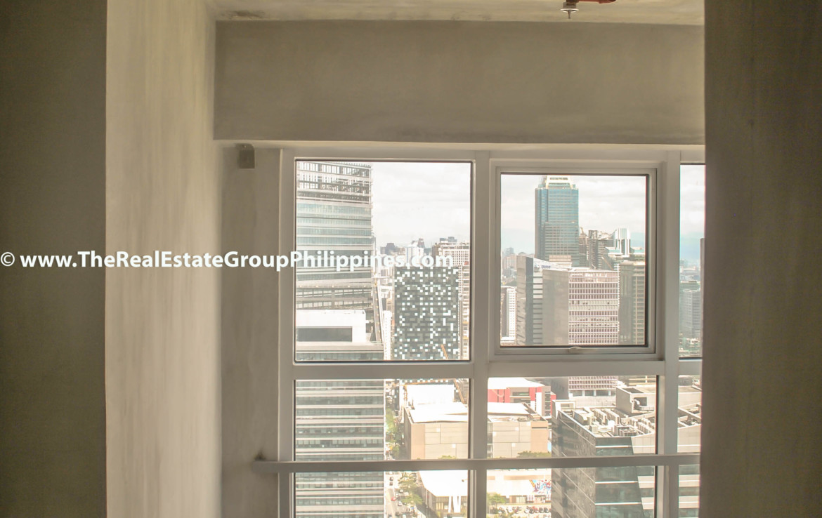 Fort Victoria BGC Condo For Sale 2BR hall