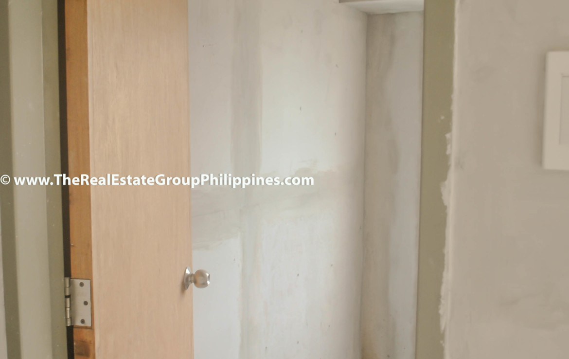 Fort Victoria BGC Condo For Sale 2BR door