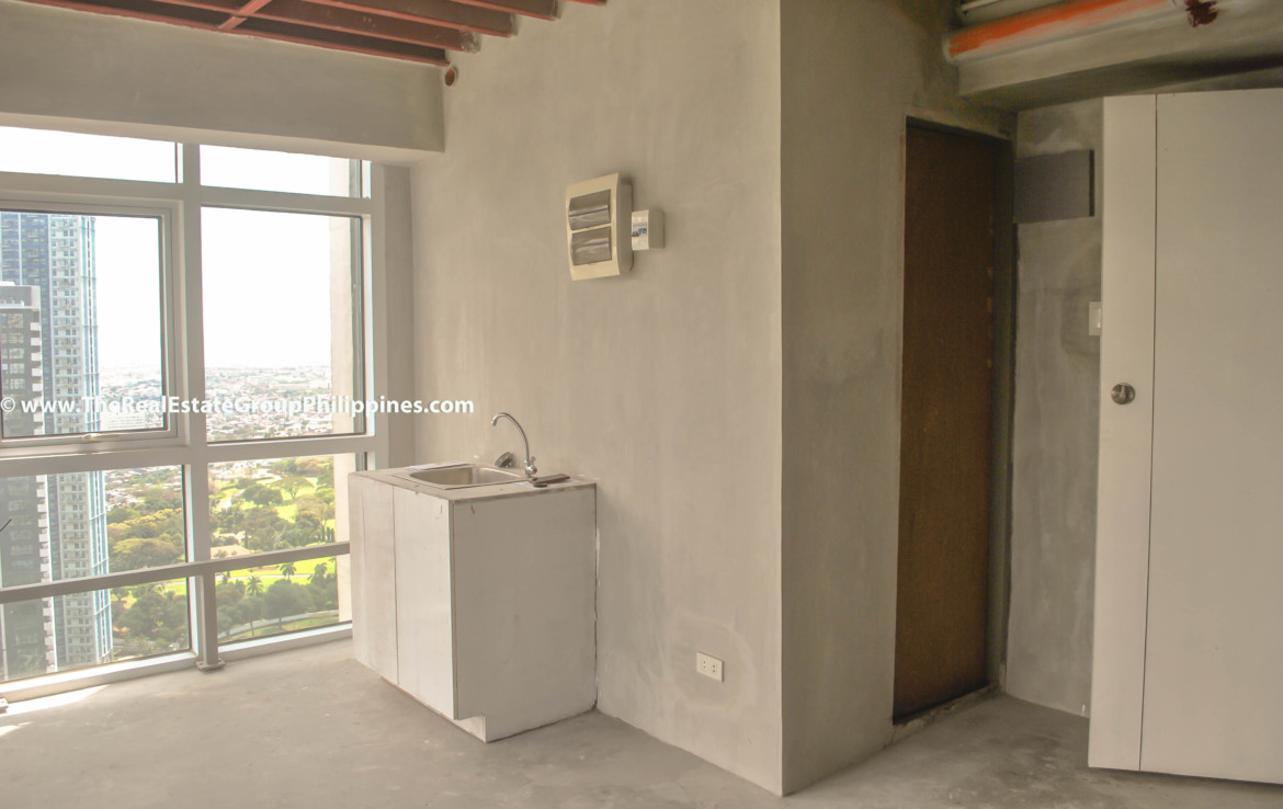 Fort Victoria BGC Condo For Sale 2BR kitchen
