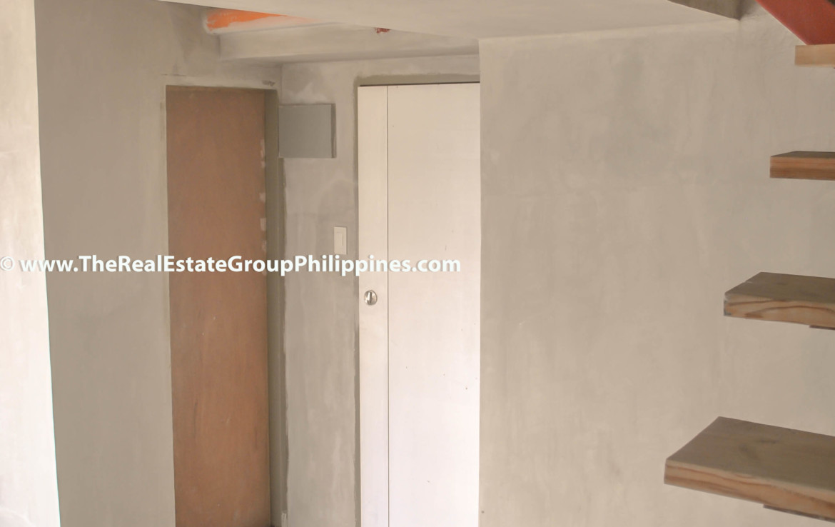 Fort Victoria BGC Condo For Sale 2BR upper
