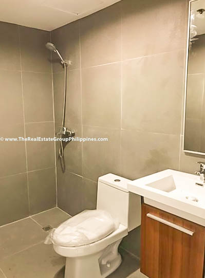 Peak Tower 3BR Salcedo Makati Condo For Sale-5